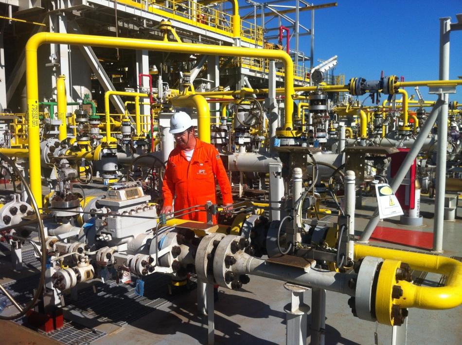 Resultado de imagem para Medição de petróleo  Inmetro